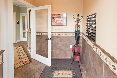 Saratoga-Springs-Dentist-Entranceway